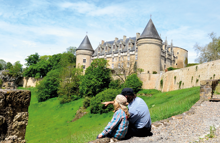 Le château de Rochechouart abrite le musée d'art contemporain où j'ai également travaillé.
